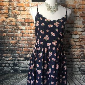 Blue with daisy flower dress size L